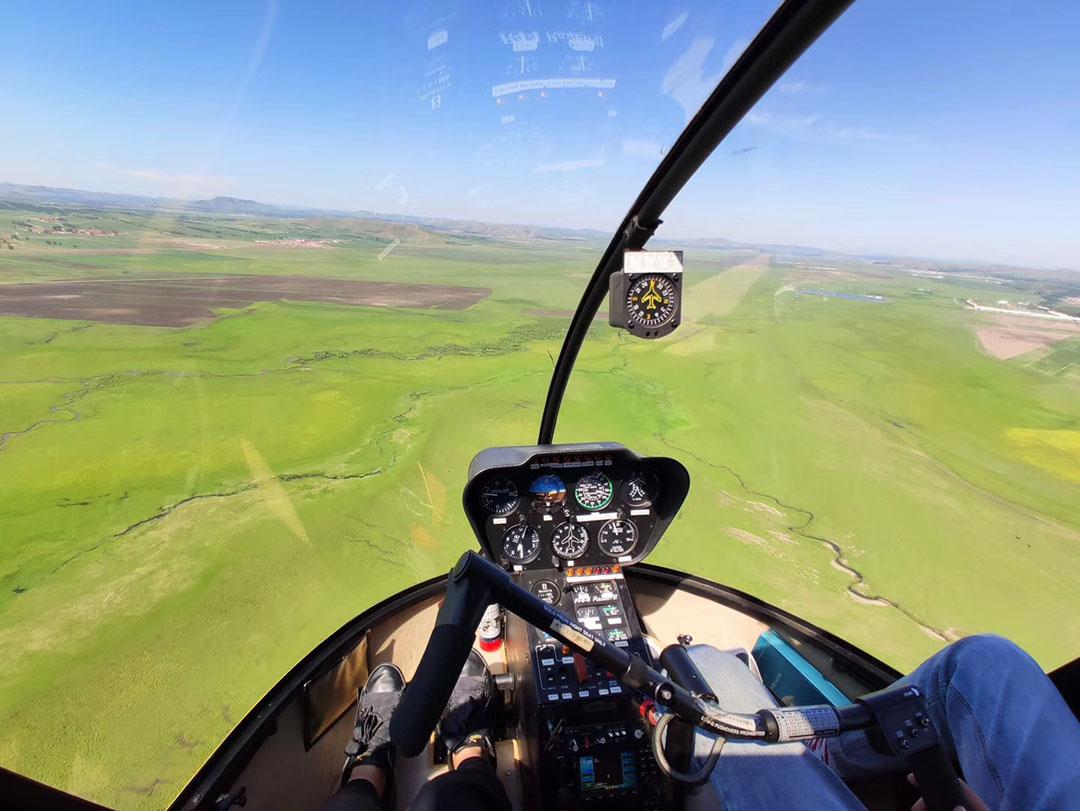 飞行俱乐部:直升机/动力伞/热气球等坝上领空飞行