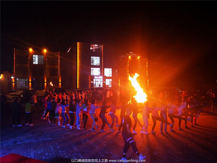 草原篝火晚会,蒙古族歌舞表演,草原夜晚必须体验的活动
