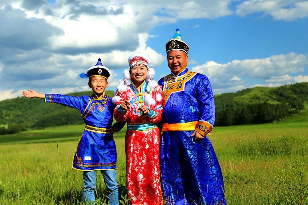 坝上蒙古人家,草原民族服装照相